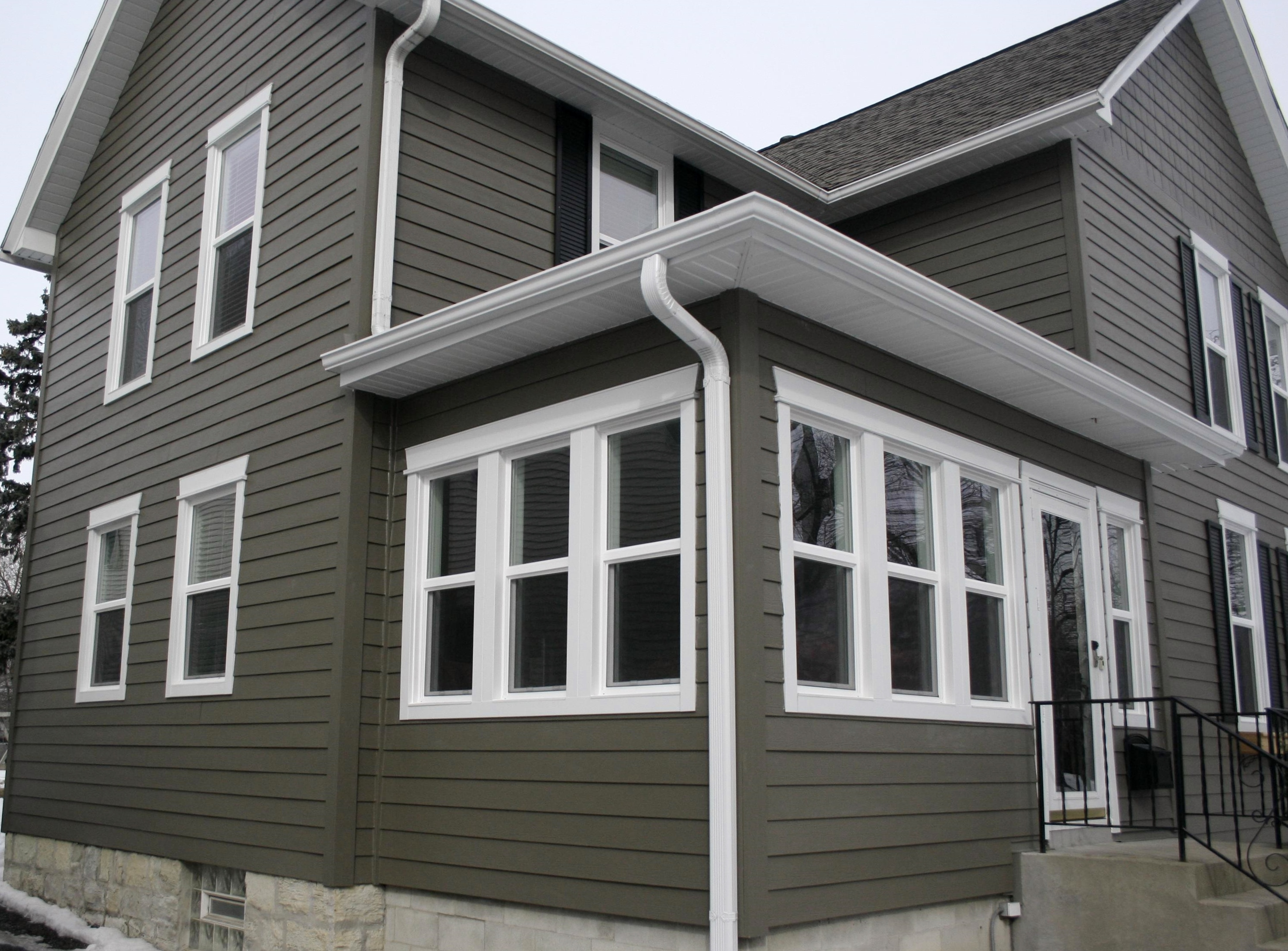 What Are The Pros And Cons Of Fiber Cement Siding